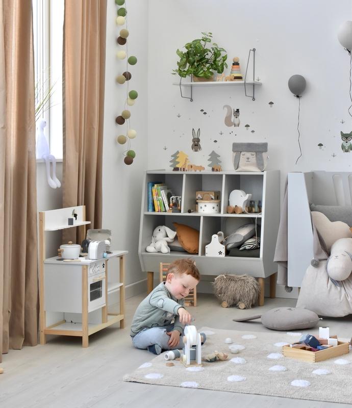 Spielzimmer in Grau & Beige mit Done by Deer Möbeln