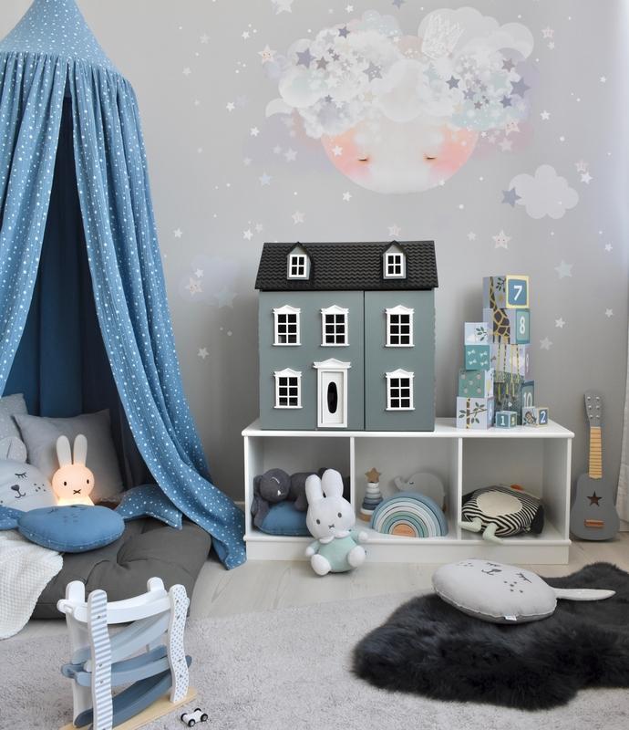 Spielzimmer mit Kuschelecke in Rauchblau & Grau