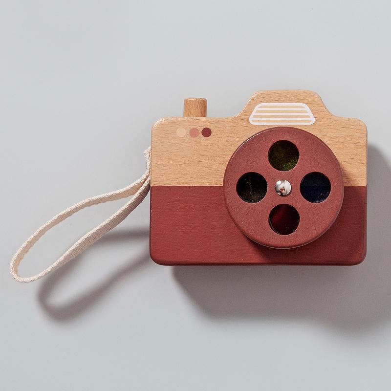 Kamera aus Naturholz rostrot ab 3 Jahren