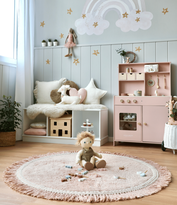 Spielzimmer mit Kuschelecke & Kinderküche