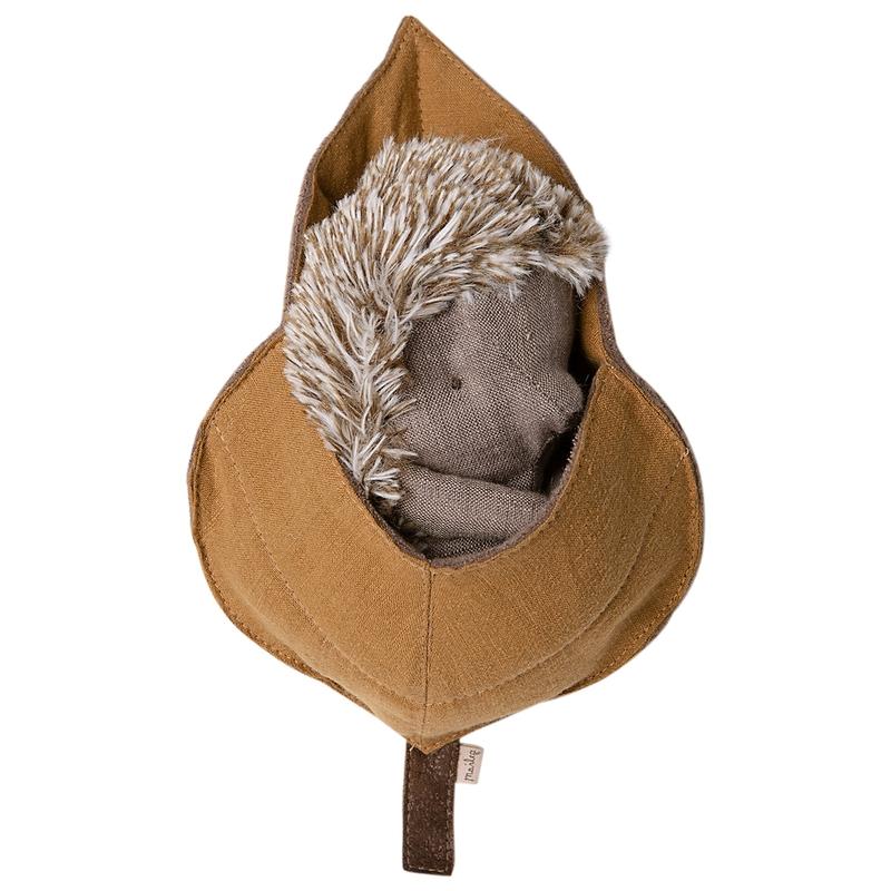 Kuscheltier Mama-Igel im Blattbett 18cm
