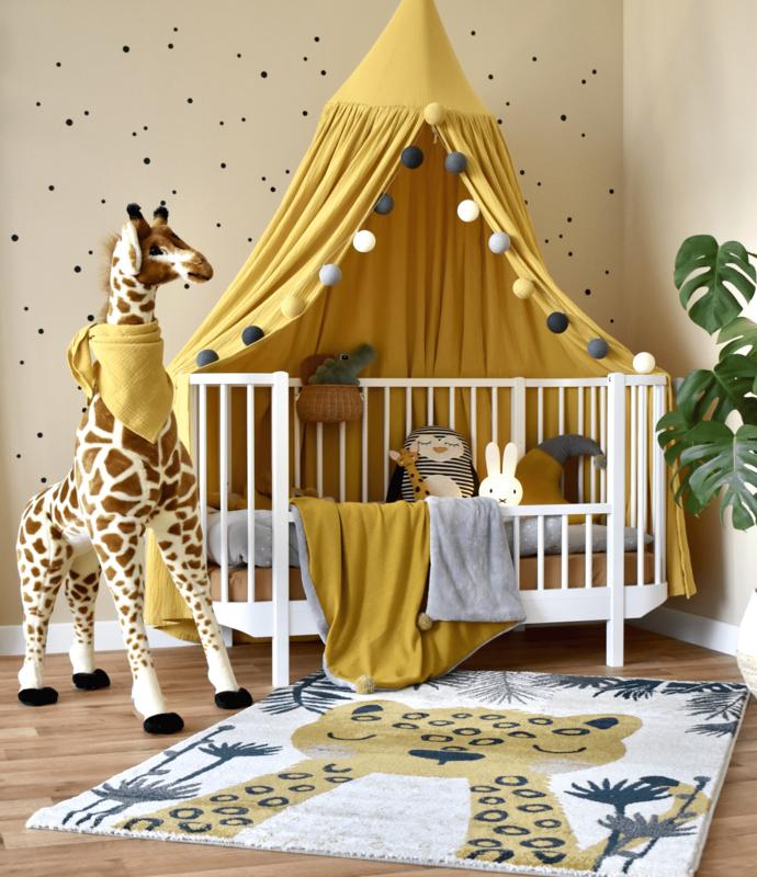 Kleinkindzimmer mit Tieren in Senfgelb & Grau