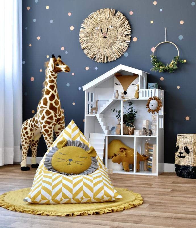 Spielzimmer mit Puppenhaus Regal & Tieren