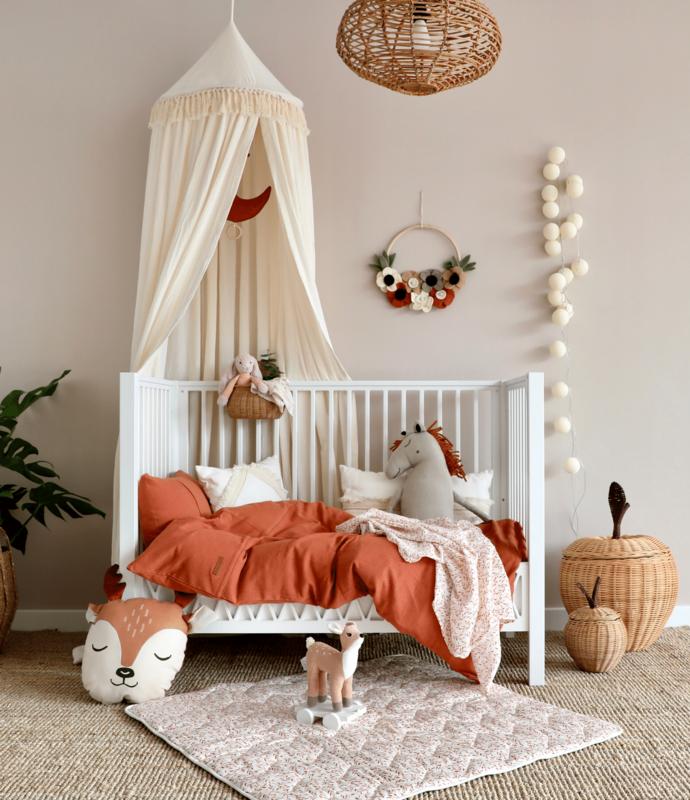Kleinkindzimmer in Rost- & Cremetönen