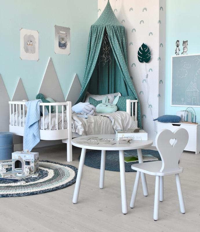 Kinderzimmer mit Regenbogen Tapete in Mint & Blau