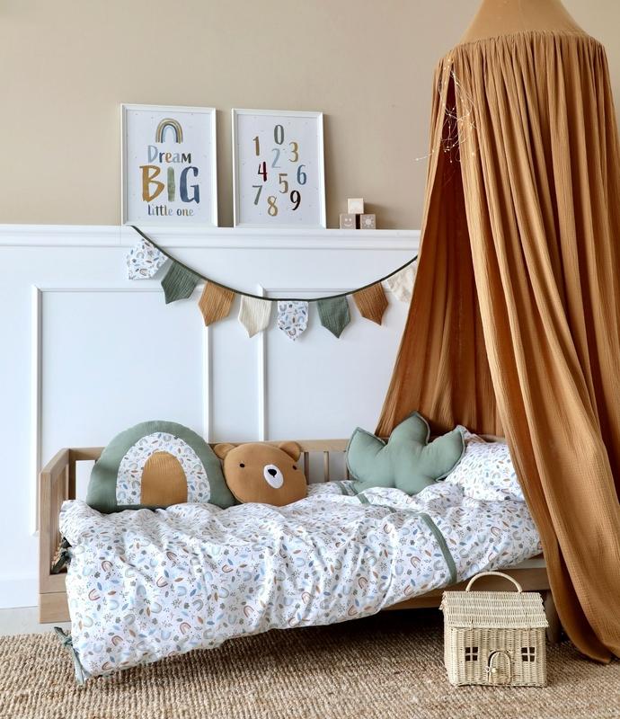 Kinderzimmer mit Regenbögen in Camel & Khaki