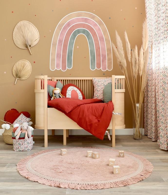 Kinderzimmer mit XL Regenbogen & Sebra Bett