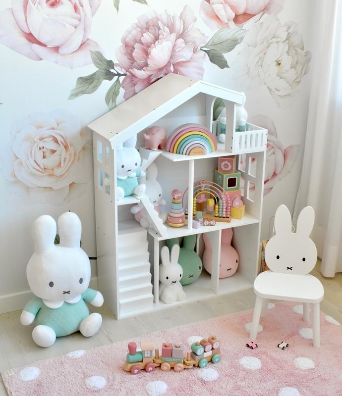 Spielecke mit Puppenhausregal in Rosa & Mint